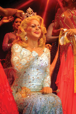 Coti Collins being crowned Miss Gay America 2011