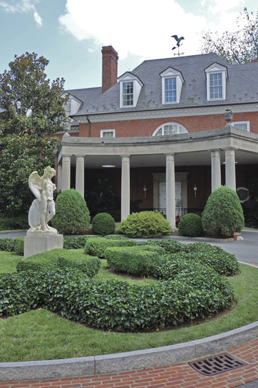Hillwood 39 S High Life New Exhibit Offers Insights Into Hillwood Estate 39 S Working Class Who