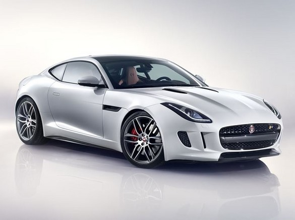 Jag_F-TYPE_R_Coup__Polaris_Image_201113_15_LowRes (2).jpg