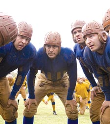 Clooney (center) in 'Leatherheads'