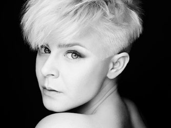Robyn Photo by Rankin
