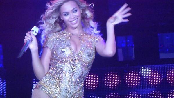 Beyonce_Mrs._Carter_Show_Birmingham_1