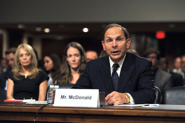 Photo: Robert McDonald. Credit: Robert Turtil/VA.