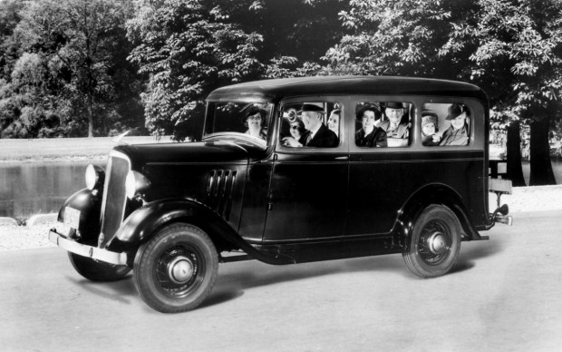 Chevrolet Suburban Carryall, 1935, Credit - GM