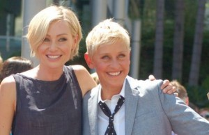Ellen DeGeneres, with her wife, Portia de Rossi (Photo: Angela George / Wikimedia Commons).