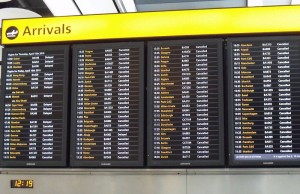 800px-Arrivals_board,_Heathrow_T5,_April_16_2010