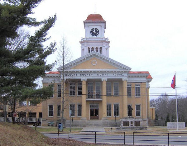 Blount County Courthouse (Photo: Brian Stansberry, via Wikimedia Commons).