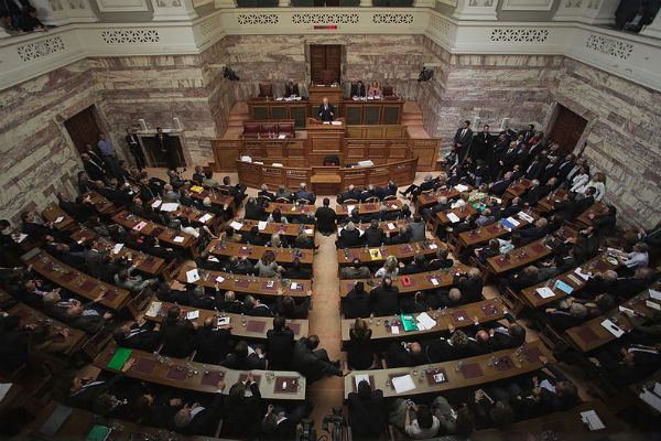 The chamber of the Senate in the Hellenic Parliament (Phtoto: PASOK, via Wikimedia Commons).