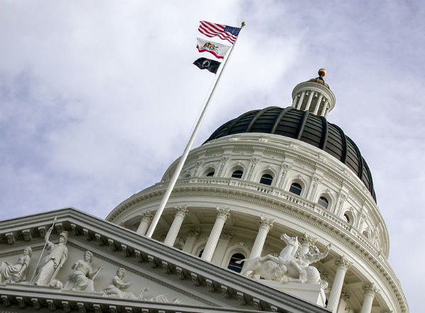 The dome of the Capitol building in Sacramento (Photo: Alex Wild, via Wikimedia Commons).