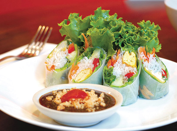 DC Noodles: Fresh Garden Roll