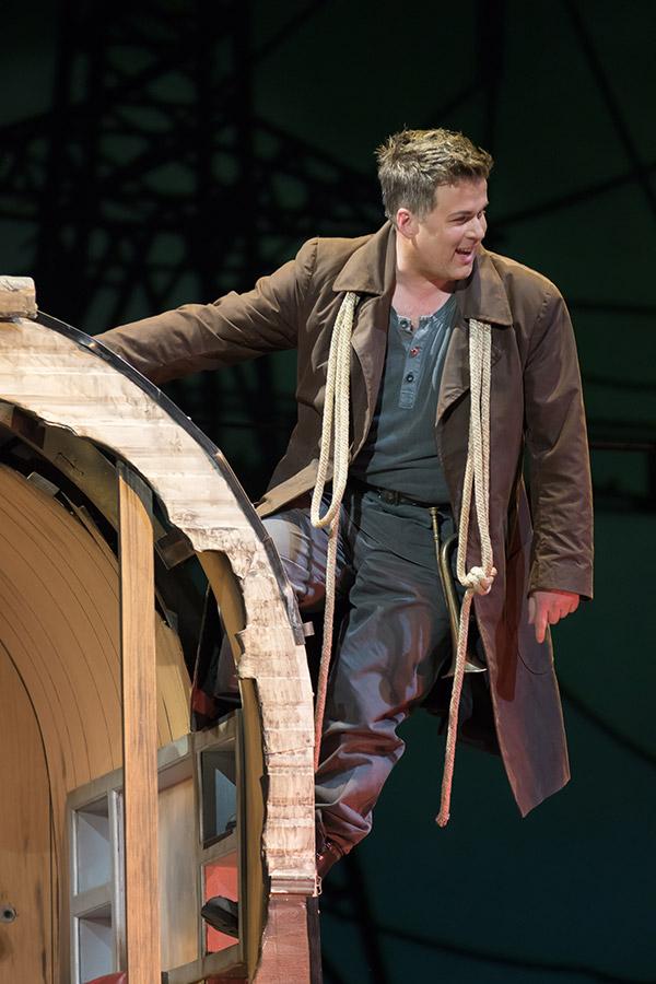Daniel Brenna as Siegfried -- Photo: Scott Suchman for WNO