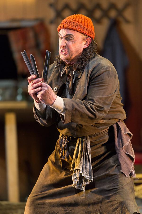 David Cangelosi as Mimi -- Photo: Scott Suchman for WNO