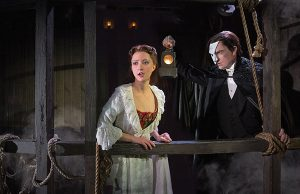Phantom of the Opera: Katie Travis and Chris Mann -- Photo: Matthew Murphy