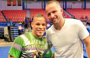 Orlando Cruz with basketball player José Juan Barea, Photo: Twitter