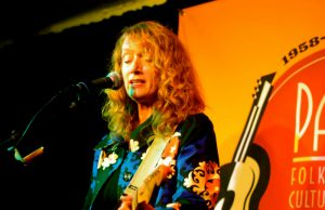 Patty Larkin at Club Passim, Photo: Thom C / Wiki Commons