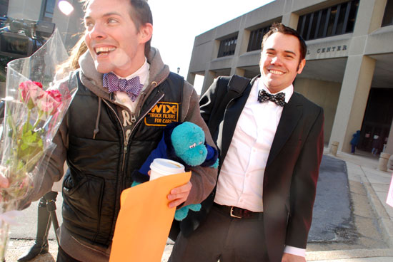 Nic Ruley (L) and Brett King of Chicago just before getting married in the Montgomery County Judicial Center Jan. 2