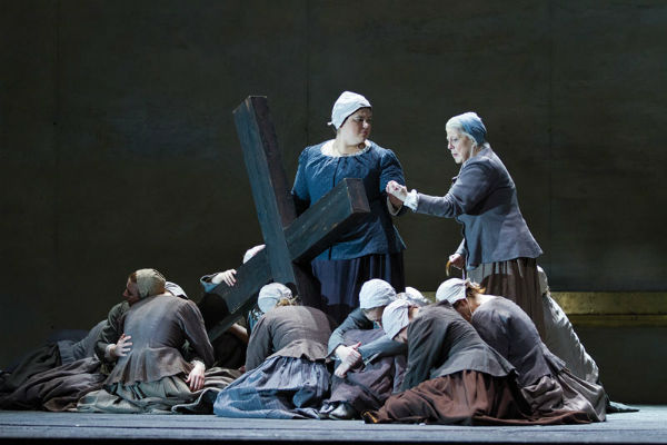 """WNO's """"Dialogues of the Carmelites"""" Photo by Scott Suchman"""
