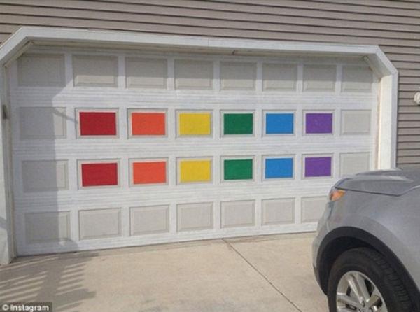 The DeLong's repainted rainbow garage (Credit: The DeLong family, via Instagram).