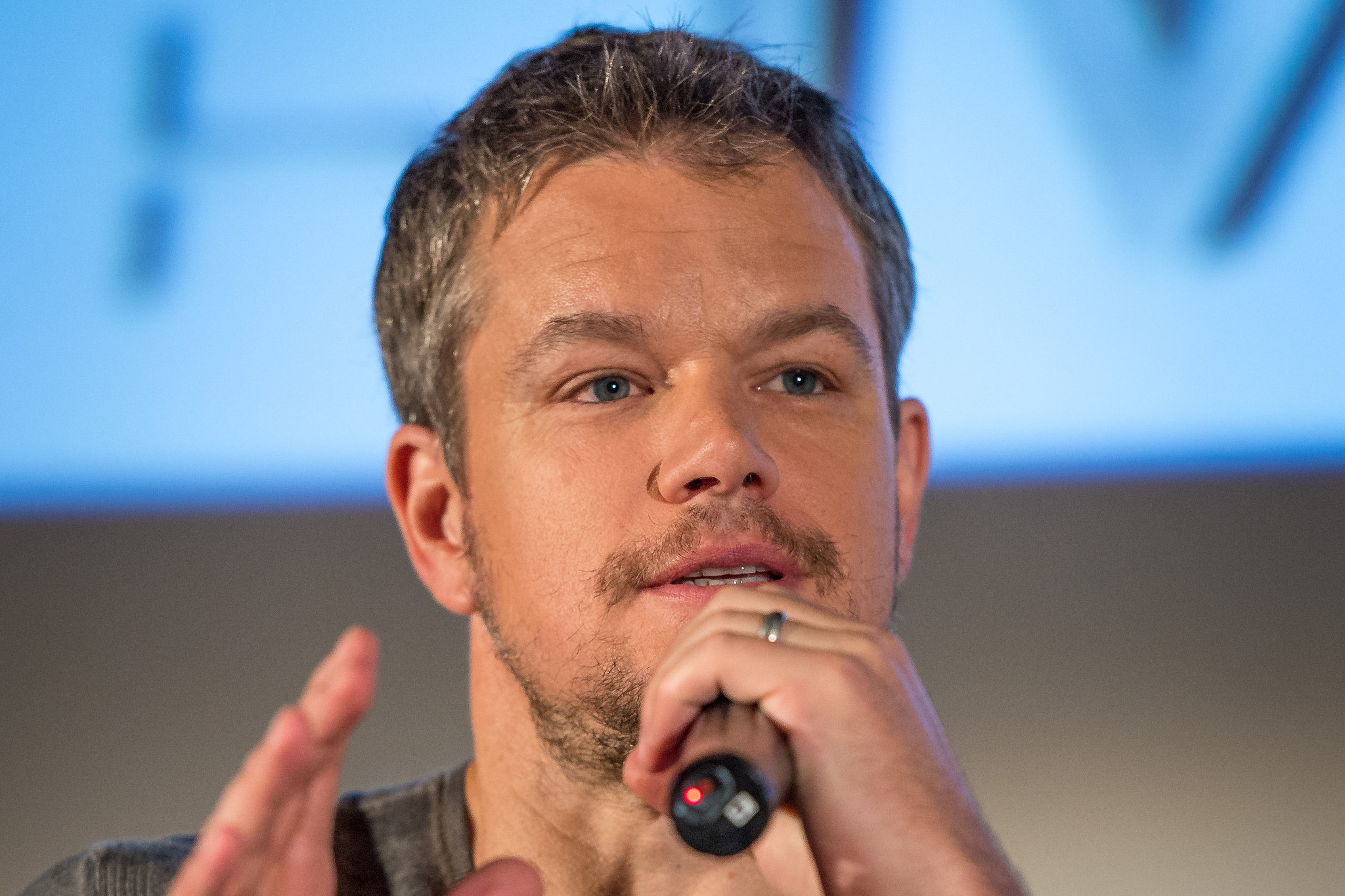 Matt Damon: Gay actors should remain closeted.