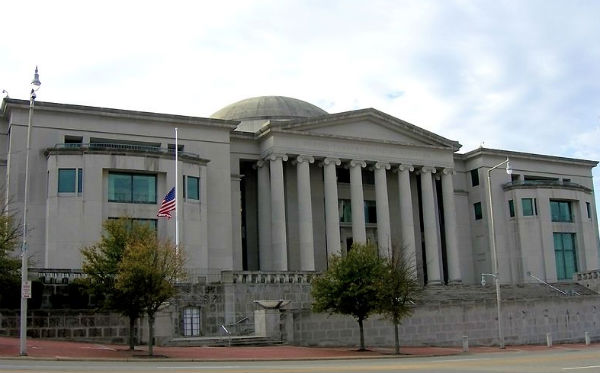 Alabama Supreme Court building (Photo: Altairisfar (Jeffrey Reed), via Wikimedia Commons).