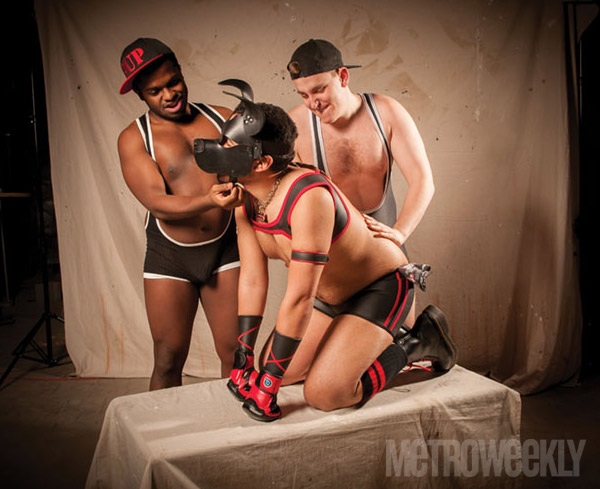 Pup Domino (black singlet), Bragi (Blue Singlet), Pup Indigo (red) - Photo: Todd Franson