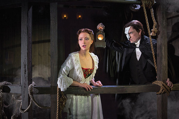 Phantom of the Opera: Katie Travis and Chris Mann -- Photo: Matthew Murphy