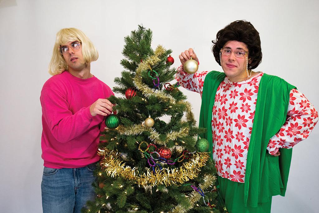 A Tuna Christmas.Parlor Room Theatre Tackles Legendary Comedy A Tuna