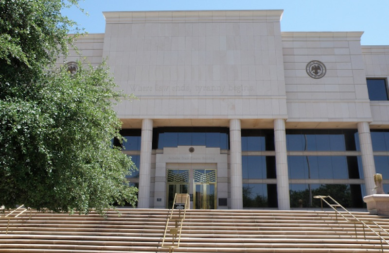 Arizona Supreme Court rules that family law judges may