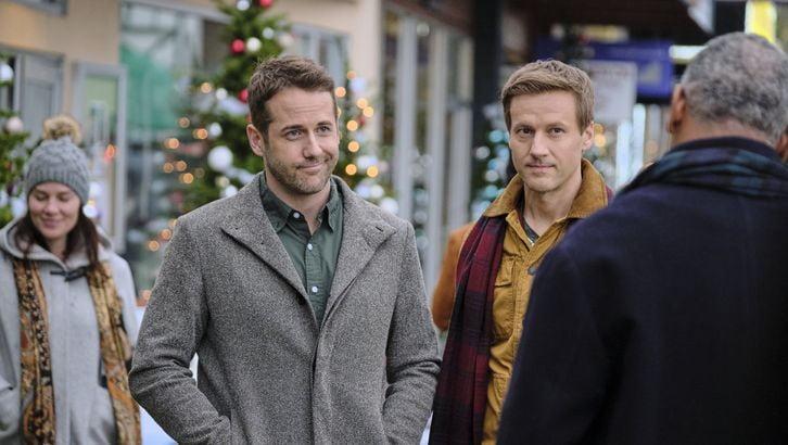 Christmas at Dollywood - Metro Weekly