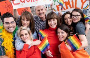 happiest season, kristen stewart, gay, christmas, film, rom com, lesbian